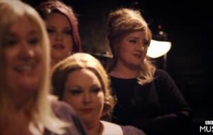 La cantante Adele se imita a si misma en un concurso de imitadoras de Adele