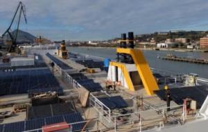 Fabrican el primer ferry híbrido con energía fotovoltaica y gas natural